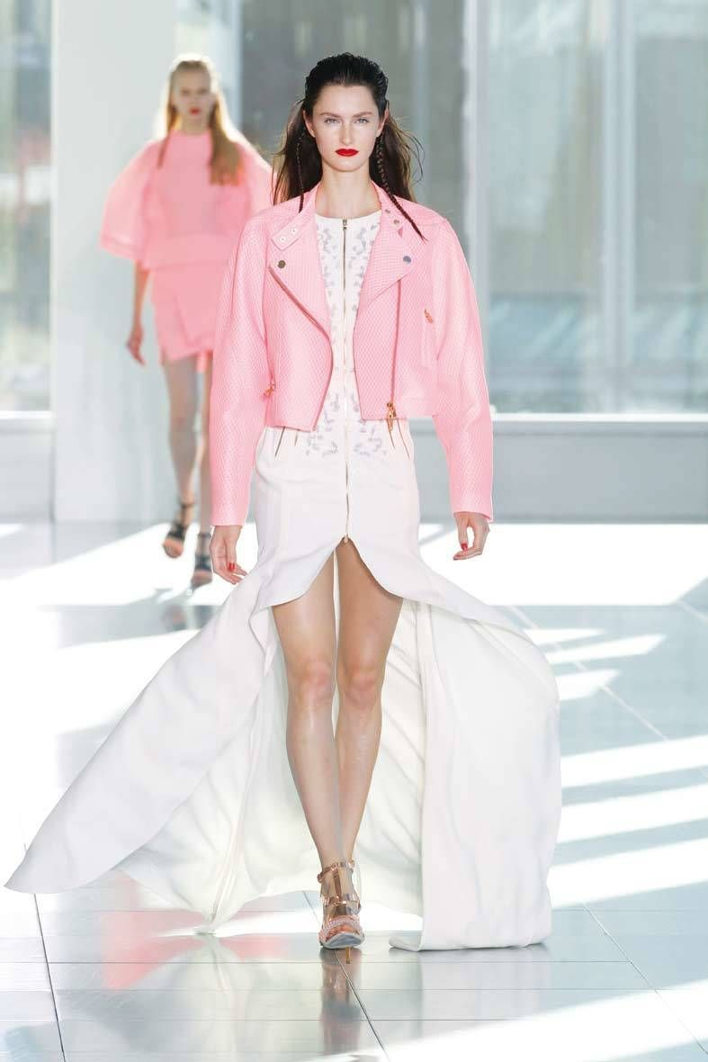 <p>Diseñador: Antonio Berardi. <strong>London Fashion Week.</strong></p>