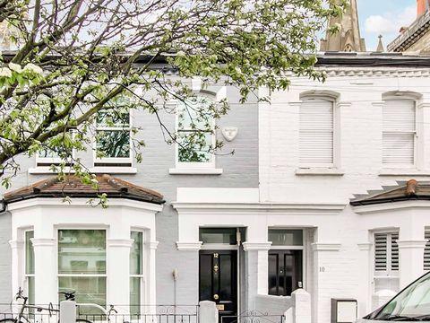 <p>Fachada de la casa de infancia de Daniel Radcliffe, protagonista de Harry Potter, en el barrio de Fulham, Londres.</p>