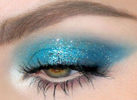 Blue, Green, Brown, Eyelash, Skin, Eye shadow, Eyebrow, Purple, Violet, Teal,