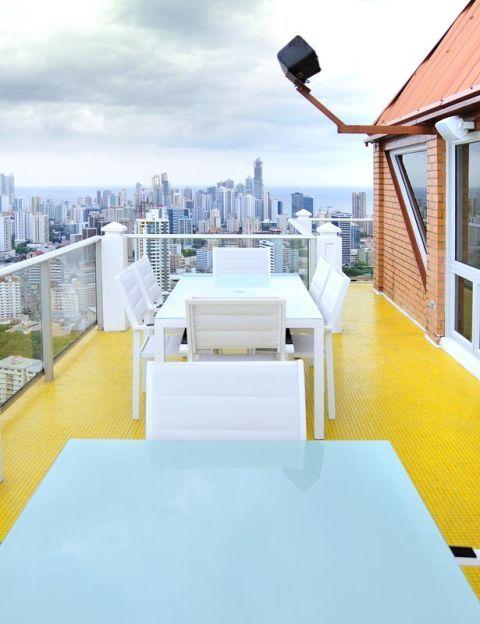 Real estate, Apartment, Tower block, Roof, Cityscape, Skyscraper, Urban design, Condominium, Skyline, Balcony,