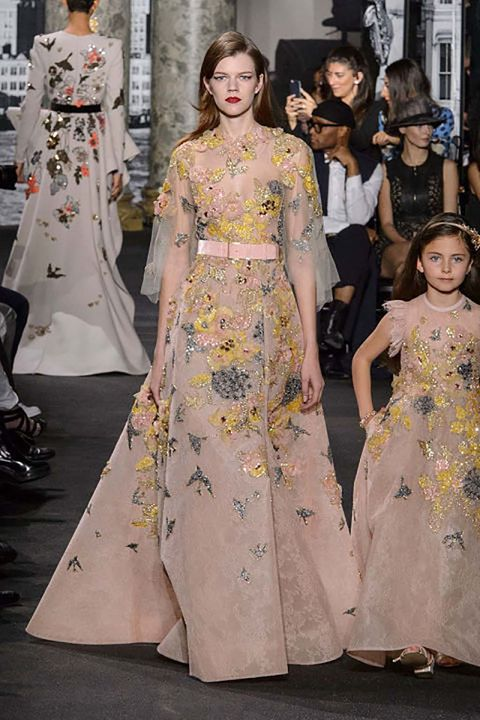 Clothing, Dress, Style, One-piece garment, Fashion, Fashion model, Day dress, Fashion design, Gown, Haute couture,