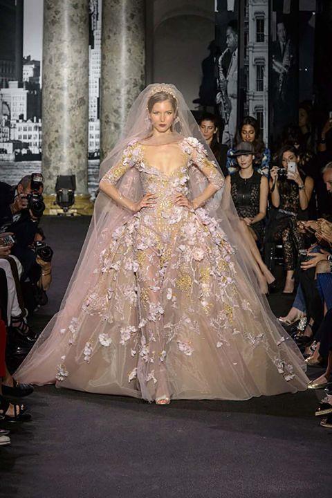 Shoulder, Dress, Formal wear, Style, Gown, Bridal clothing, Fashion, Wedding dress, Fashion show, Runway,