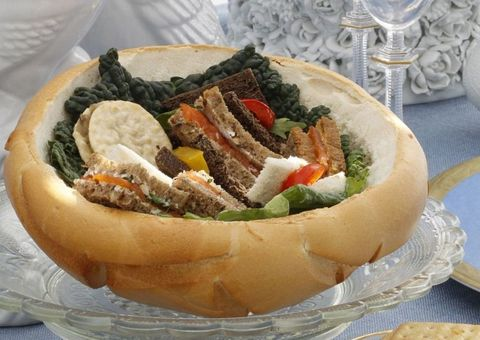Serveware, Dishware, Food, Ingredient, Finger food, Tableware, Plate, Cuisine, Glass, Dish,
