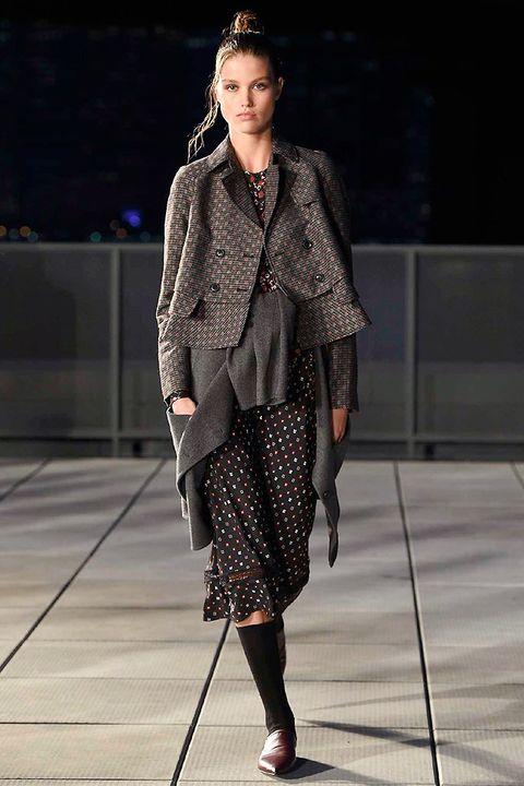 Fashion model, Fashion show, Fashion, Runway, Clothing, Street fashion, Outerwear, Fashion design, Public event, Human,