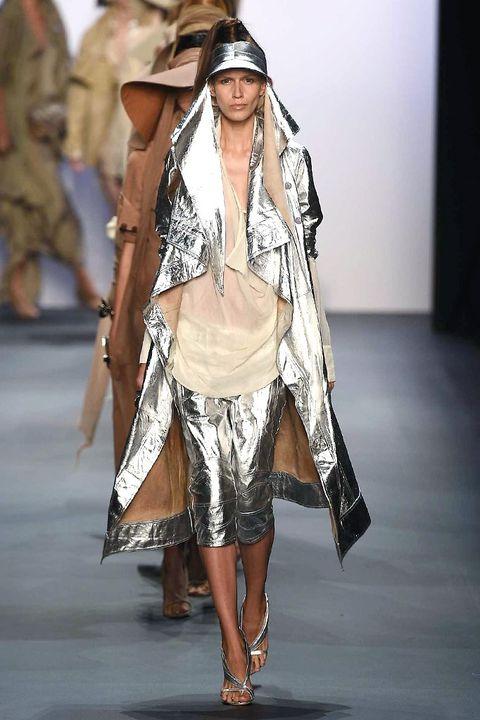 Textile, Fashion show, Style, Fashion model, Street fashion, Fashion accessory, Costume design, Fashion, Runway, Beige,