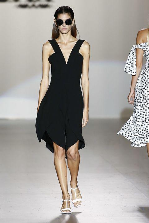 Clothing, Dress, Shoulder, Human leg, Joint, Fashion show, White, Pattern, Style, Fashion model,
