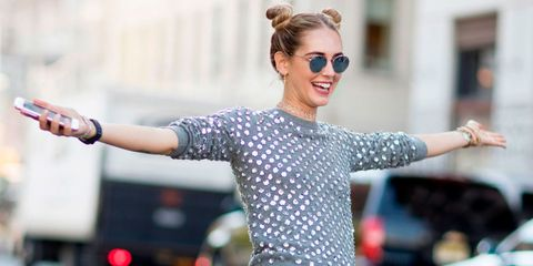 Eyewear, Ear, Glasses, Sleeve, Hand, Sunglasses, Performing arts, Facial expression, Style, Street fashion,