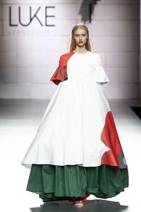 Shoulder, Dress, Style, Formal wear, Fashion model, One-piece garment, Costume design, Fashion, Gown, Street fashion,