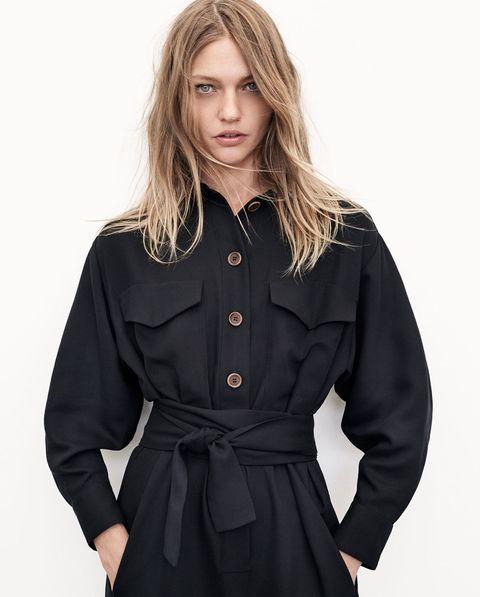 Clothing, Collar, Dress shirt, Sleeve, Shoulder, Standing, Joint, Formal wear, Style, Uniform,