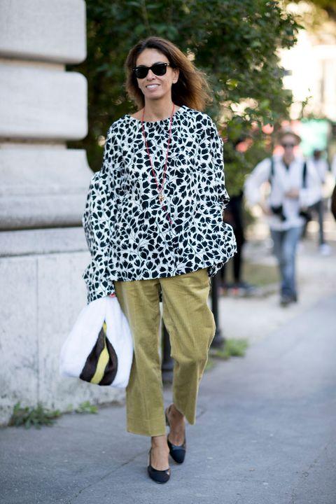 Clothing, Eyewear, Vision care, Leg, Glasses, Sunglasses, Outerwear, Bag, Style, Street fashion,