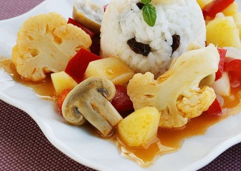 Food, Cuisine, Steamed rice, White rice, Rice, Dish, Ingredient, Meal, Recipe, Tableware,
