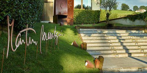 Garden, Yard, Lawn, Backyard, Landscaping, Courtyard, Stairs,