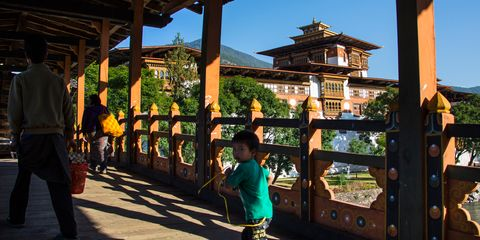 Shade, Japanese architecture, Spring, Chinese architecture, Column, Shinto shrine, Fence, Shrine, Temple, Place of worship,