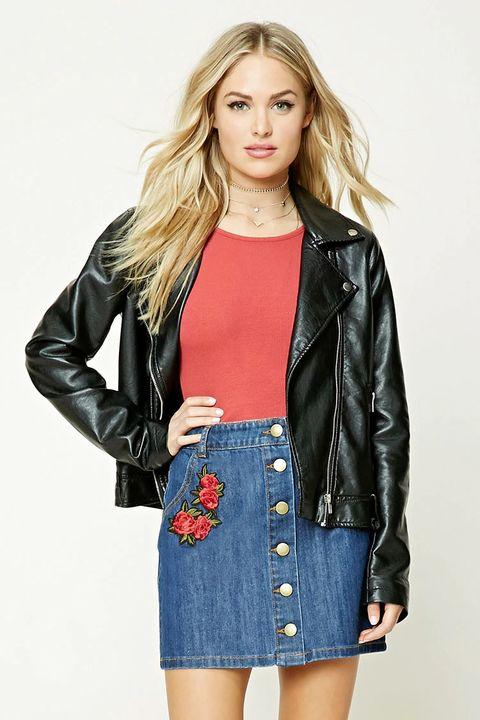 Clothing, Jacket, Sleeve, Denim, Shoulder, Textile, Joint, Outerwear, Style, Street fashion,