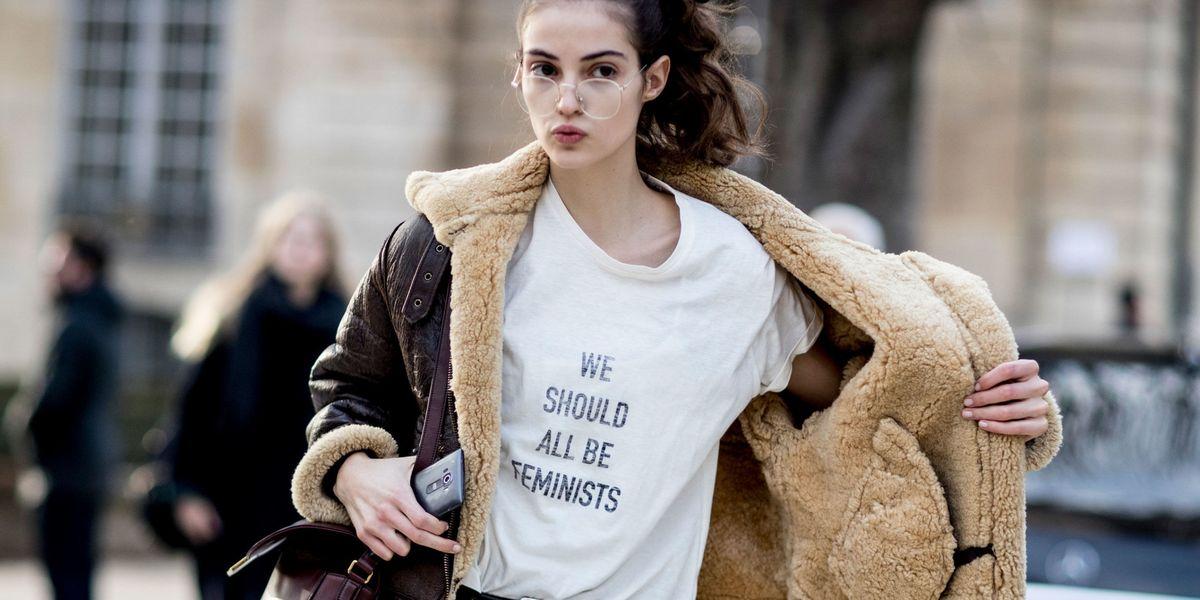 El uniforme feminista de las modelos