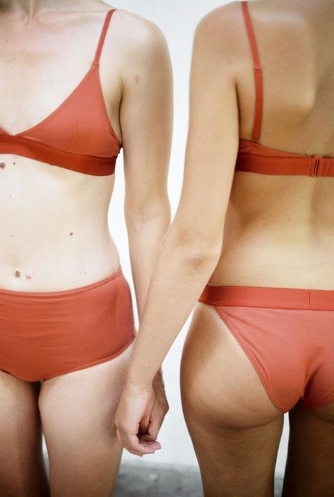 3c20a0896393 Nude Label es otra de las marcas de lencería que está arrasando entre las  mujeres. Crean piezas básicas, minimalistas, con tejidos y formas que  favorecen la ...