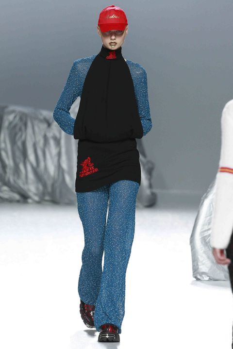 Blue, Winter, Sleeve, Trousers, Shoulder, Red, Textile, Joint, Outerwear, White,
