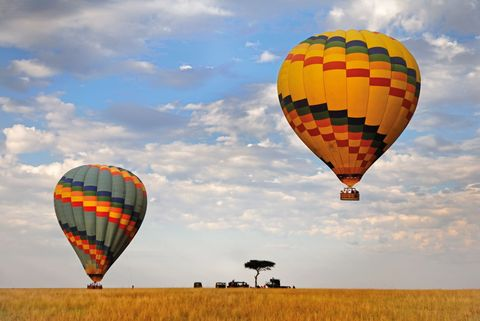 Nature, Mode of transport, Sky, Hot air ballooning, Daytime, Fun, Transport, Natural environment, Cloud, Atmosphere,