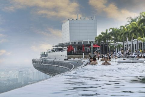 Water transportation, Boat, Vehicle, Waterway, Watercraft, Architecture, Ship, Tourism, Naval architecture, City,