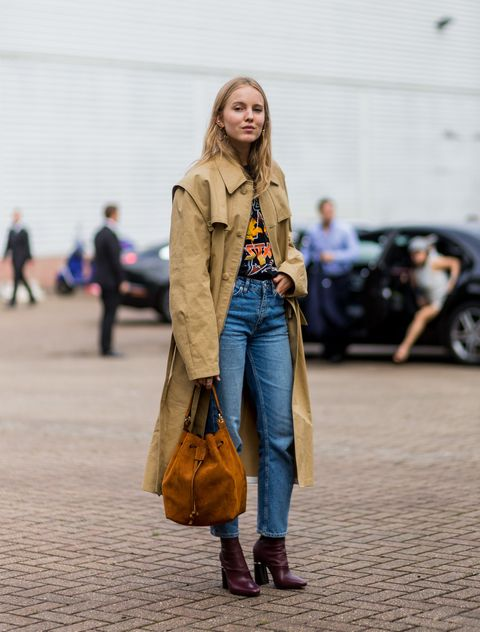 Street fashion, Clothing, Fashion, Coat, Yellow, Snapshot, Jeans, Trench coat, Denim, Outerwear,