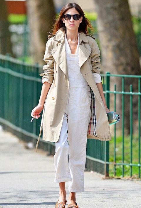 Clothing, White, Street fashion, Trench coat, Coat, Green, Fashion, Outerwear, Blazer, Snapshot,