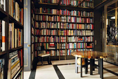 La casa de Luis Bustamante, biblioteca