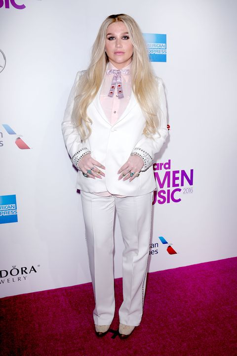 White, Clothing, Red carpet, Carpet, Fashion, Blond, Hairstyle, Flooring, Lip, Long hair,