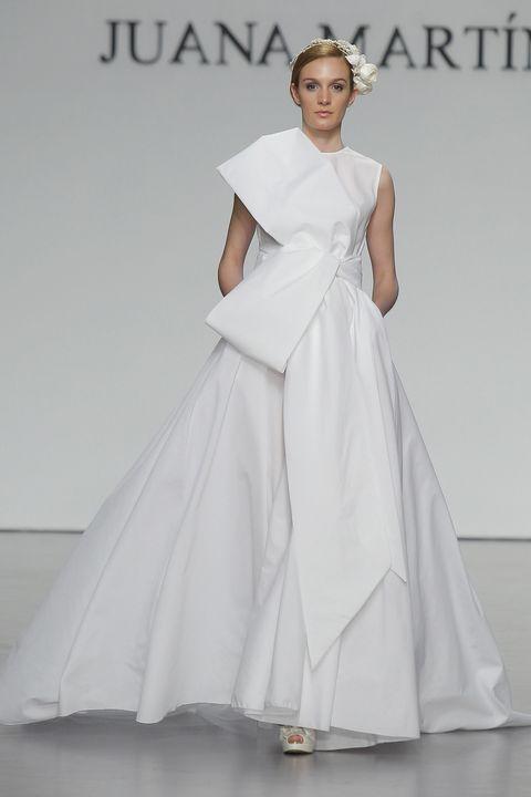 Clothing, Gown, Fashion model, Dress, Wedding dress, Bridal party dress, Bridal clothing, Shoulder, Fashion, A-line,