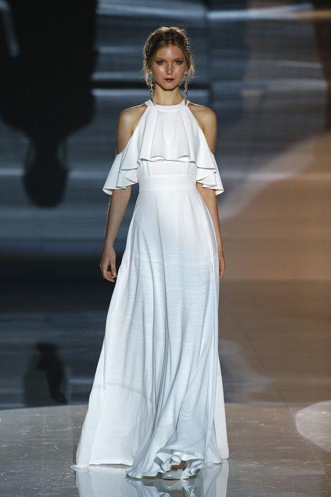 Fashion model, Fashion, Clothing, White, Dress, Fashion show, Shoulder, Haute couture, Gown, Runway,