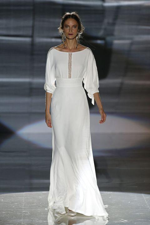 Sleeve, Shoulder, Jewellery, Dress, Outerwear, Formal wear, Fashion show, Style, Fashion model, Gown,