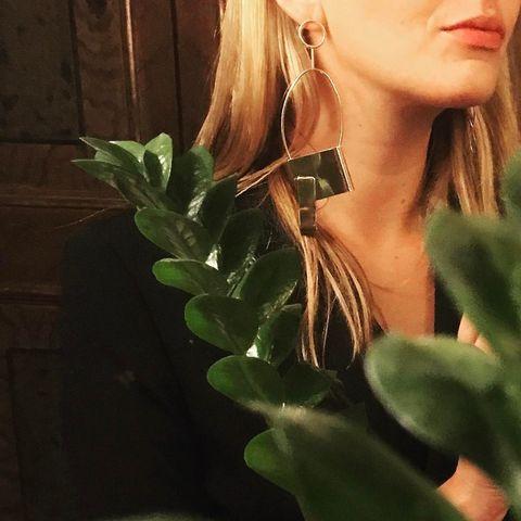Leaf, Beauty, Plant, Flower, Botany, Neck, Lip, Plant stem, Houseplant, Ear,