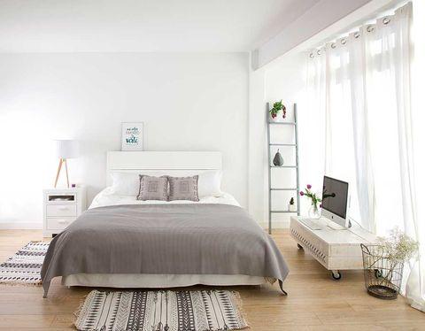 Room, Interior design, Bed, Floor, Flooring, Wood, Property, Wall, Bedding, Textile,