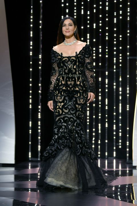 Formal wear, Style, Dress, Fashion model, Fashion, Jewellery, Gown, Beauty, Fashion show, Haute couture,