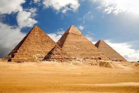 Pyramid, Monument, Historic site, Landmark, Ancient history, Unesco world heritage site, Wonders of the world, Ecoregion, Sky, Archaeological site,