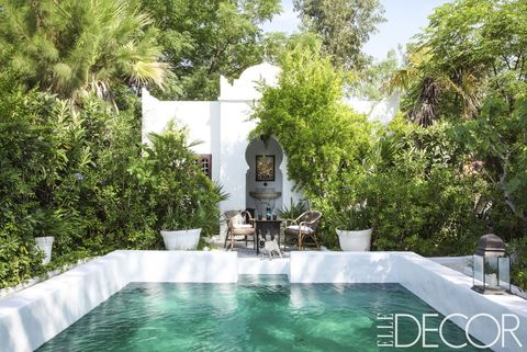 Property, Swimming pool, Building, Water, Real estate, Leisure, House, Water feature, Backyard, Villa,
