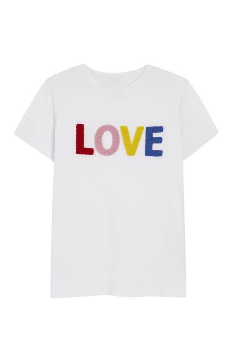 Product, Sleeve, Text, Shirt, White, T-shirt, Sportswear, Logo, Font, Carmine,