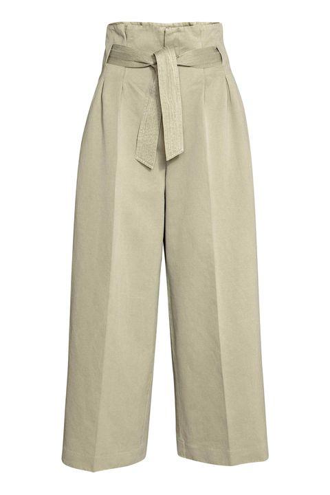 Clothing, Khaki, Trousers, Beige, Bermuda shorts, Shorts, Pocket, Sportswear, Khaki pants, Active shorts,
