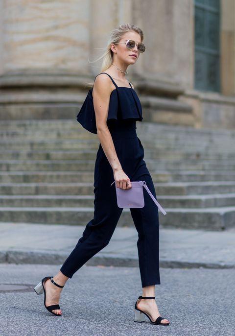 Clothing, Street fashion, Shoulder, Fashion, Footwear, Beauty, Sportswear, Shoe, Leggings, Waist,