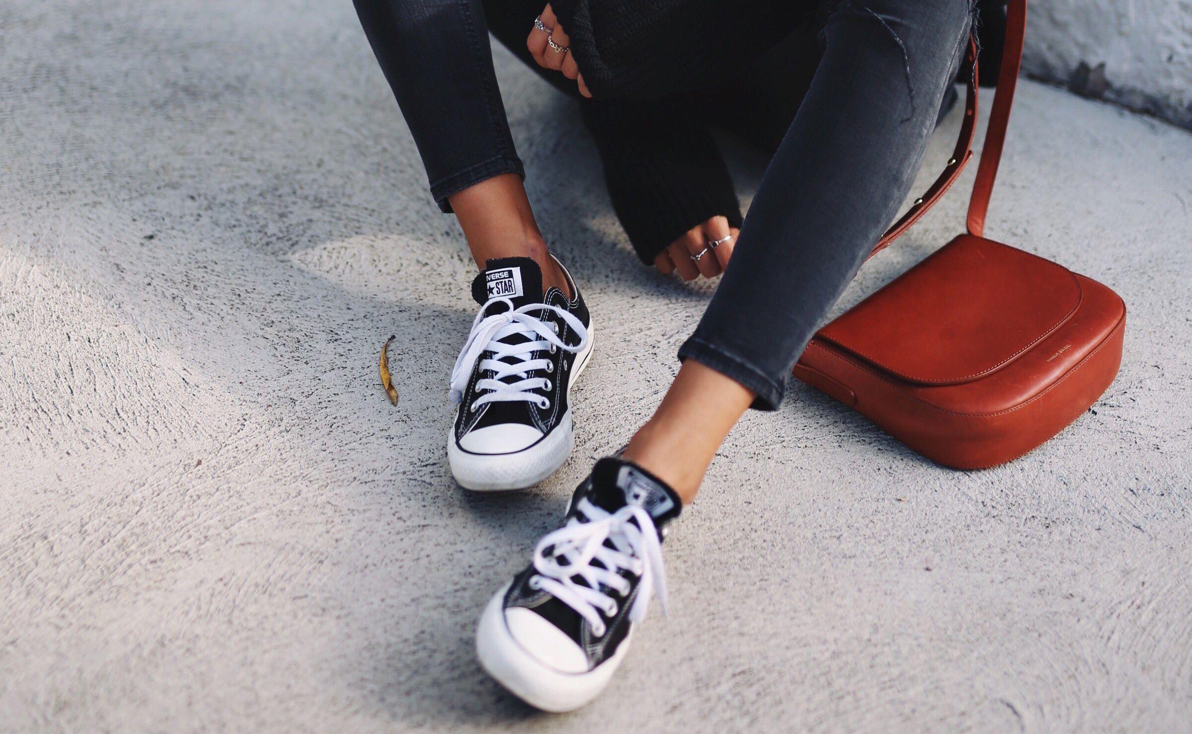 25 Looks Con Converse Negras