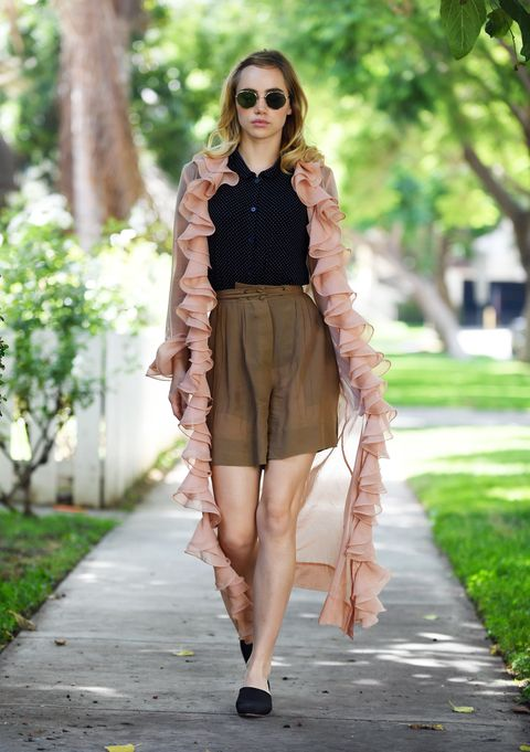 Clothing, Eyewear, Brown, Shoulder, Textile, Outerwear, Human leg, Sunglasses, Style, Summer,
