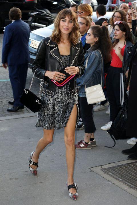 Clothing, Street fashion, Fashion, Dress, Footwear, Snapshot, Little black dress, Leg, Event, Fashion model,