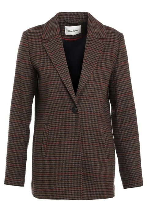 Clothing, Outerwear, Blazer, Jacket, Brown, Sleeve, Suit, Top, Coat, Beige,