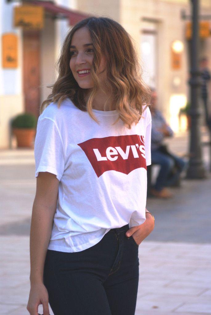 d6ce30818a8 31 looks con la camiseta más básica de Levi s