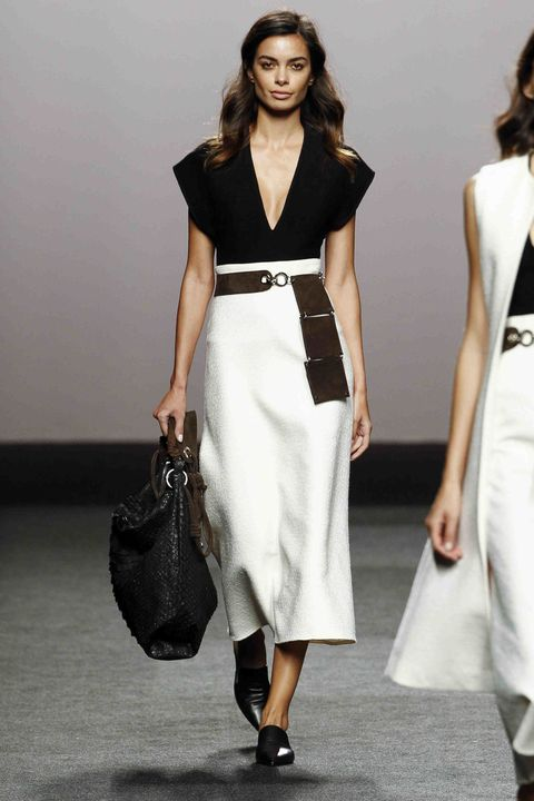 Fashion model, Clothing, Fashion show, Fashion, White, Runway, Dress, Shoulder, Waist, Neck,