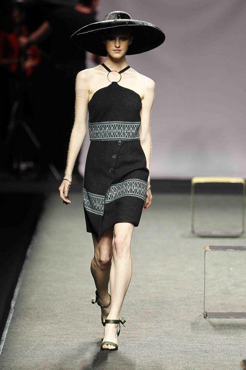 Fashion model, Fashion show, Runway, Fashion, Clothing, Waist, Dress, Fashion design, Neck, Haute couture,