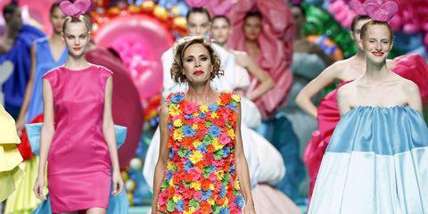 Fashion, Dress, Yellow, Fun, Fashion design, Event, Tradition, Pattern, Fashion show, Fashion model,
