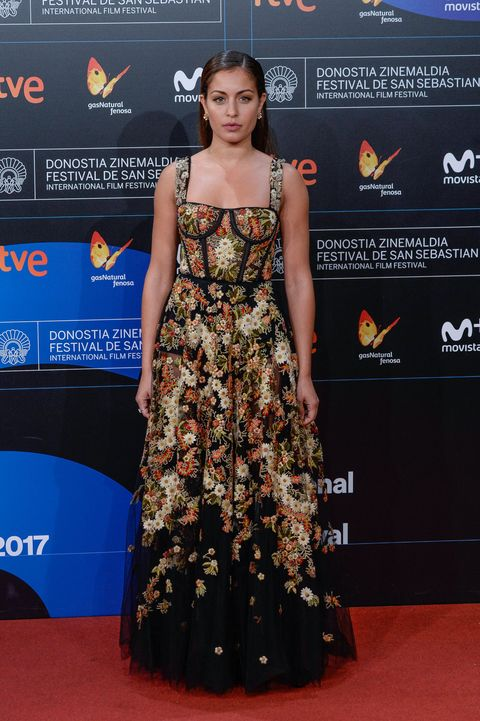 SAN SEBASTIAN, SPAIN - SEPTEMBER 30:  Hiba Abouk attends the red carpet of the closure gala during 65th San Sebastian Film Festival at Kursaal on September 30, 2017 in San Sebastian, Spain.  (Photo by Carlos Alvarez/Getty Images)