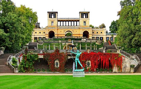 Estate, Mansion, Building, Palace, Architecture, Official residence, Garden, Grass, Tree, House,