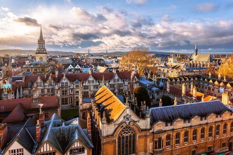 City, Sky, Cityscape, Urban area, Roof, Landmark, Town, Human settlement, Metropolitan area, Architecture,