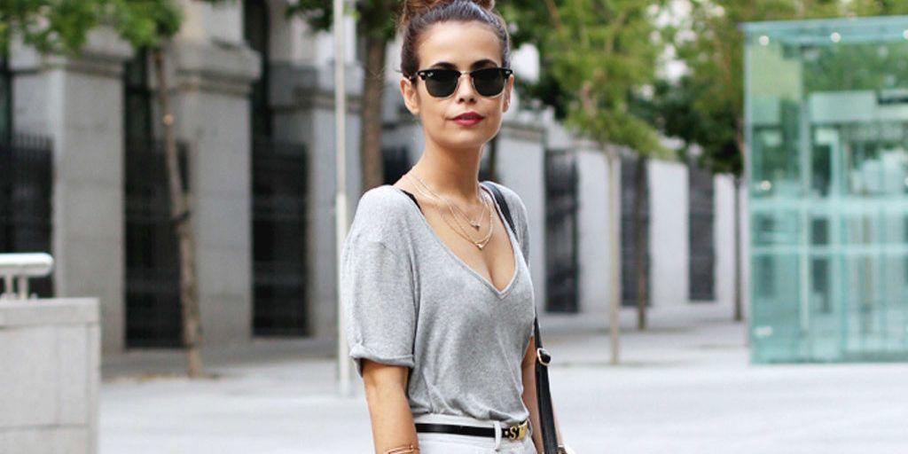 20 looks con camiseta gris